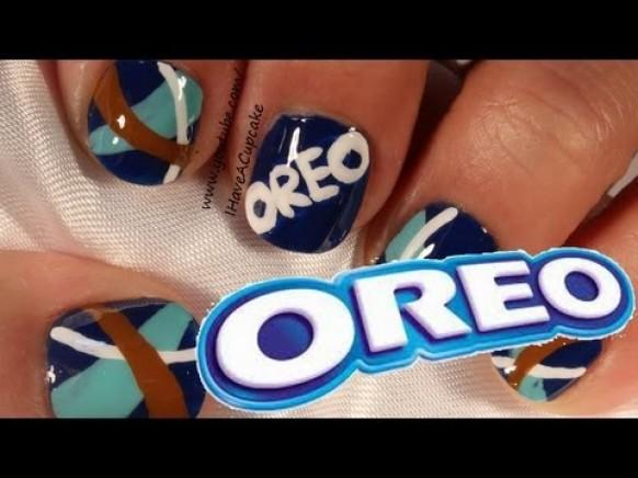 Simple Oreo Cookie Nail Art