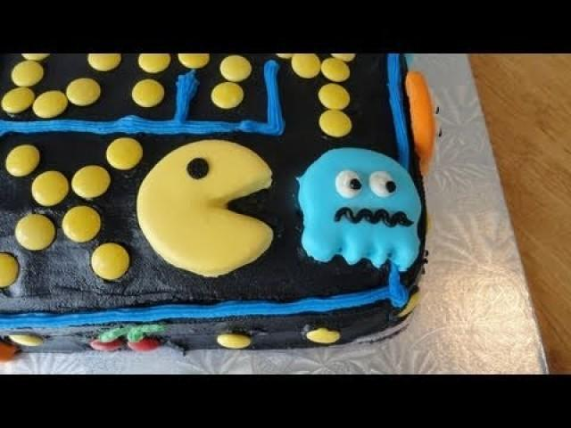 Maxs 12th Birthday Cake The Pacman Game Created By Yoyomax12