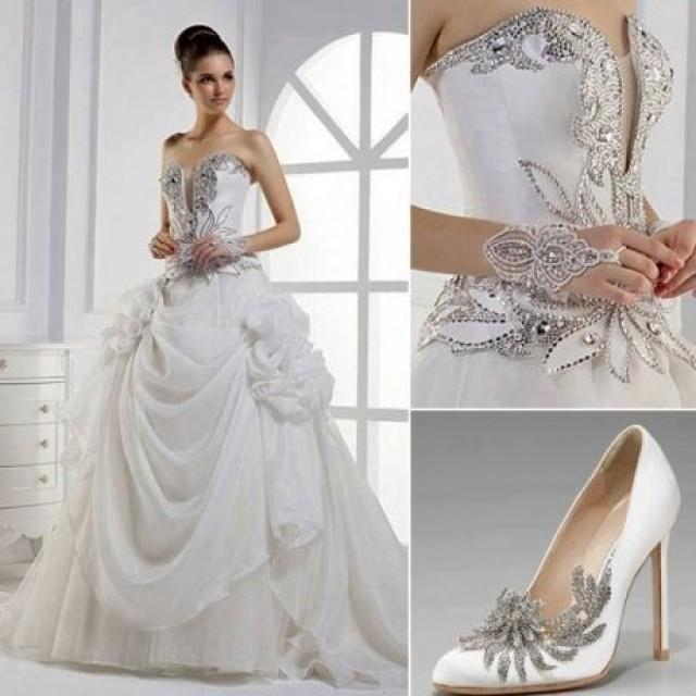 Silver Wedding Anniversary Gowns: Wedding Dress With Silver Accents