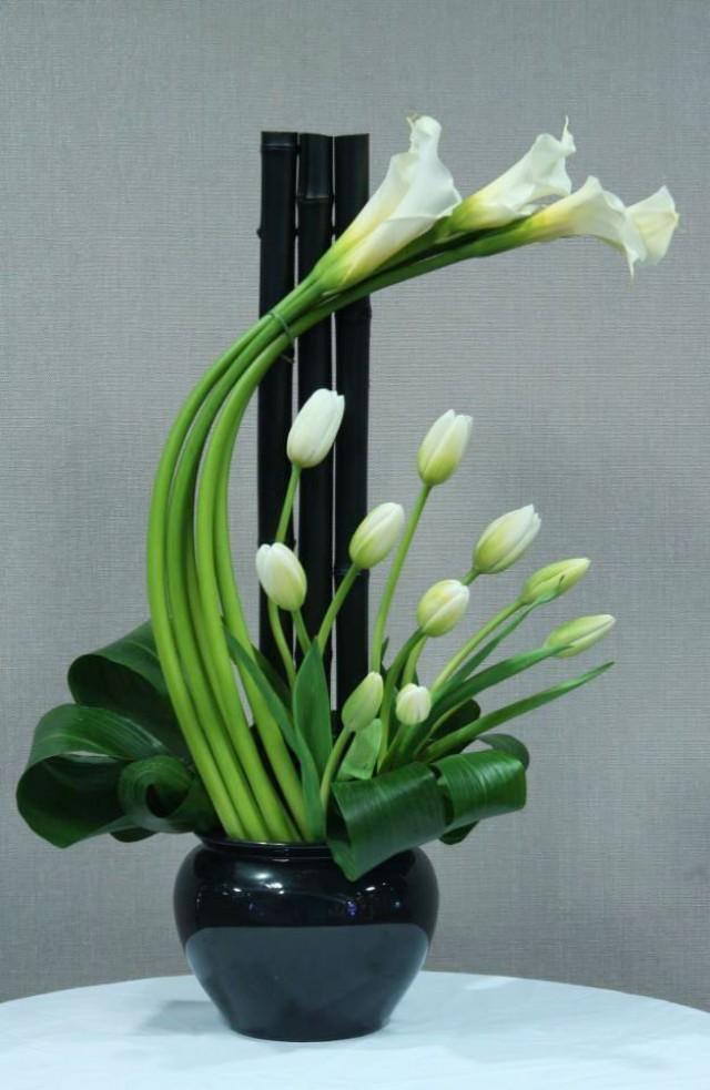 http://s3.weddbook.me/t1/2/0/4/2047399/floral-arrangement-wedding-centerpieces-and-reception-decor-pinterest.jpg