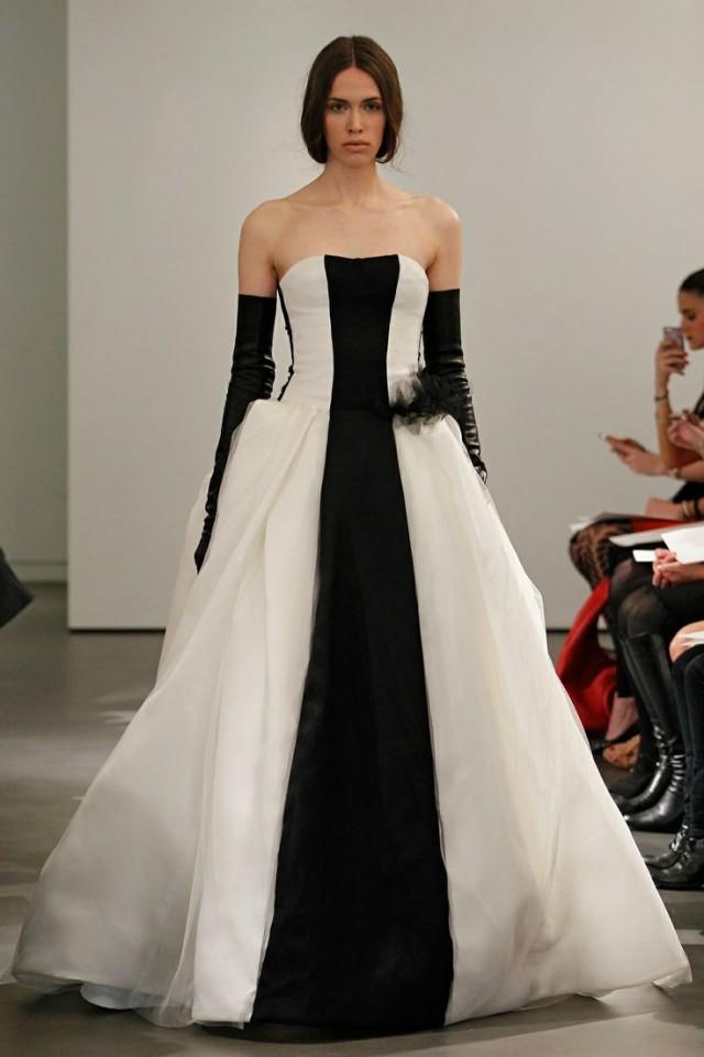 Vera Wang - Wedding Dress - Vera Wang 2014 #2059139 - Weddbook