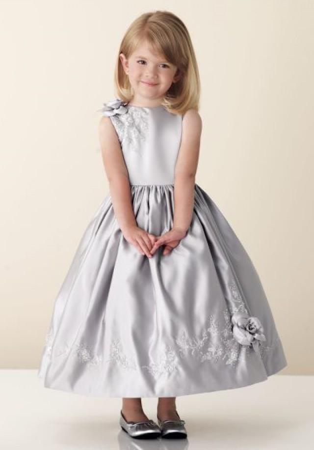 Серое нарядное платье для девочки