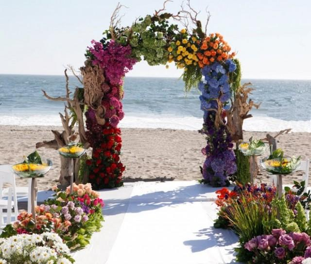 Belongil Beach Wedding Ceremony: Beach Wedding Ceremony Decor #2060432