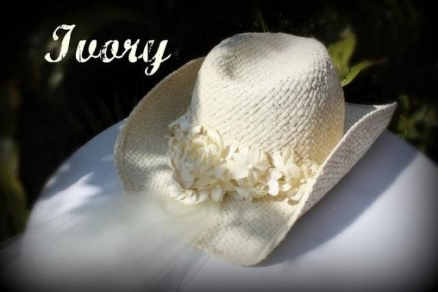 f9b3d1c03 Ivory Cowgirl Hat Bridal Hat With Veil Attached-Western Wedding Veil ...