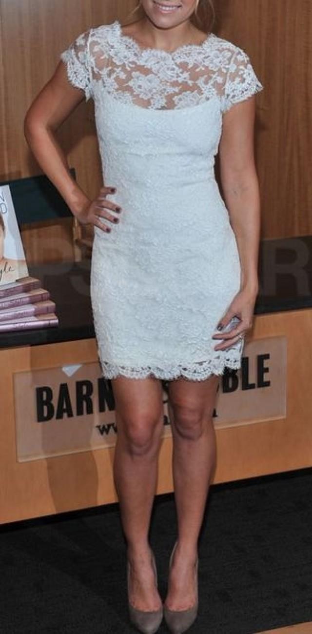 Ein Niedlicher, Weißer Spitze-Empfang Kleid. #2069467 - Weddbook
