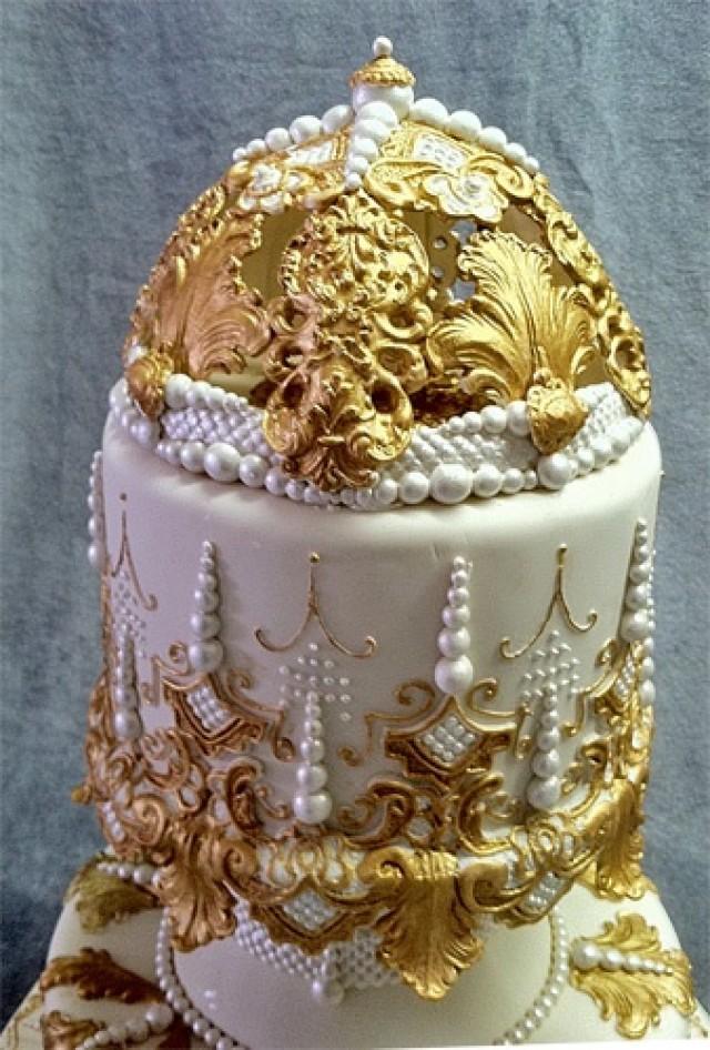 Gold Wedding White Amp Gold Wedding Cakes 2085229 Weddbook
