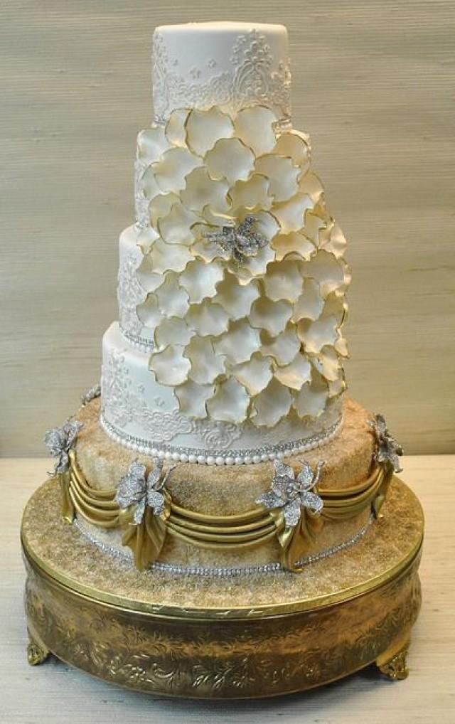 Gold Wedding White Amp Gold Wedding Cakes 2100170 Weddbook
