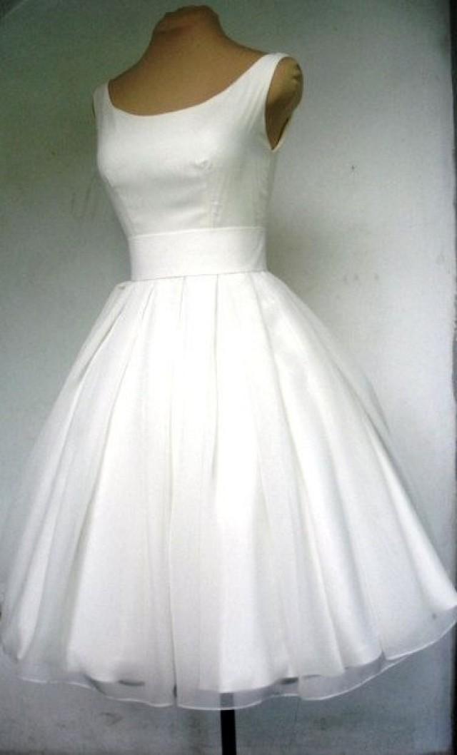 une belle robe de mari e ivoire ann es 50 avec encolure. Black Bedroom Furniture Sets. Home Design Ideas
