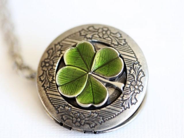 Four Leaf Clover Locket Jewelry Gift Claddagh Antique