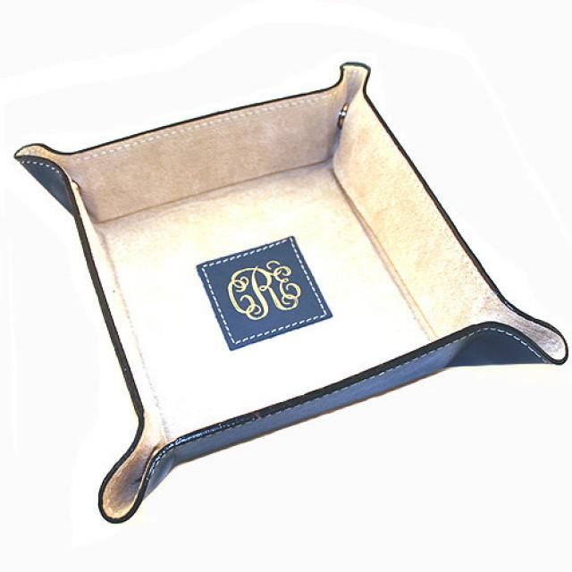 432cbd65d42e Men s Leather Valet Tray - Personalize this Leather Gift for Him as a  travel Accessory - Makes a Great Groomsmen Gift