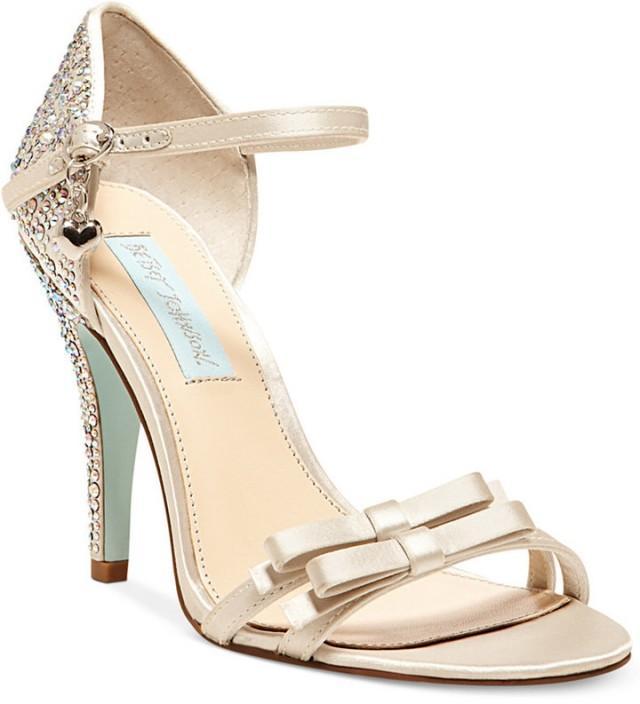 Blue by betsey johnson bow evening sandals 2218553 weddbook for Robes de mariage de betsey johnson