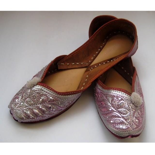 burlington flats hindu single women Results 1 - 48 of 172  shop our selection of comfortable women's flats at burlington we have a variety  of sizes and styles in-stock, with free shipping available.