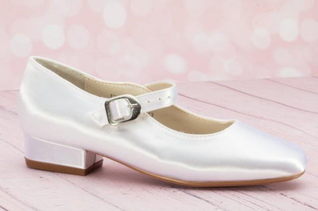 a11167bd9280 Girl s Wedding Shoes - Flowergirl Shoe - Dyeable Children s Shoe - Choose  From Over 200 Colors - Girls  Mary Jane Wedding Shoes - Londonxox