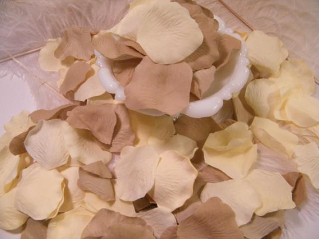 Rose bulk flower petals 200 artifical petals vintage ivory tan rose bulk flower petals 200 artifical petals vintage ivory tan wedding decoration romantic flower girl basket petals craft supplies 2254691 mightylinksfo