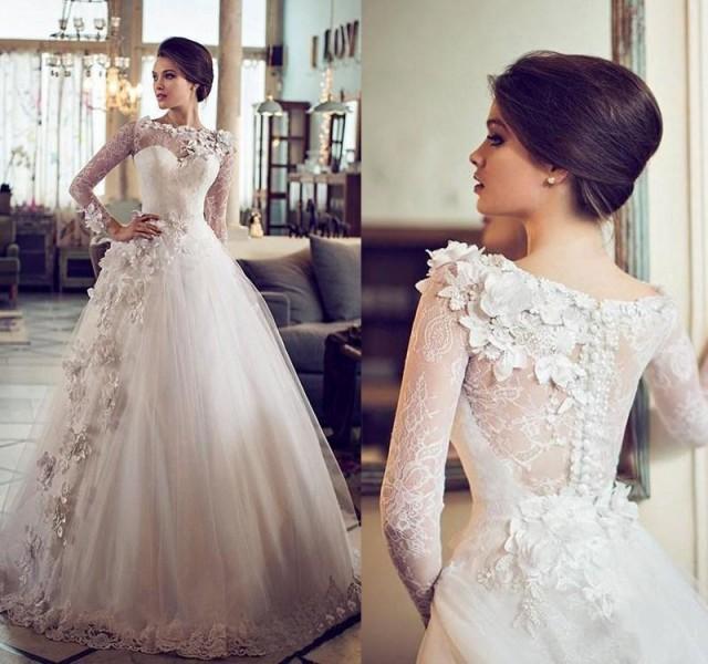 Custom Vintage Ball Gown Wedding Dresses Sheer Bateau Neckline Lace Long Sleeve Wedding Gown