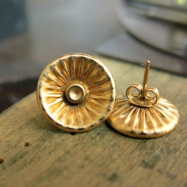 corrugated stud earrings gold post earrings versatile