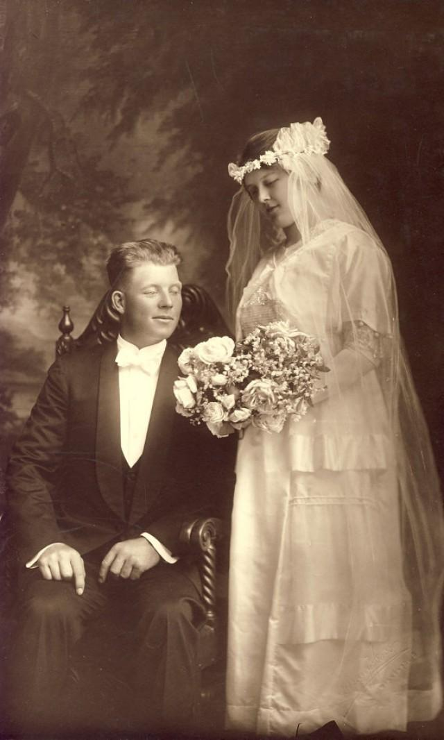 Beautiful EDWARDIAN WEDDING GOWN - Tender Photo Of Bride ...