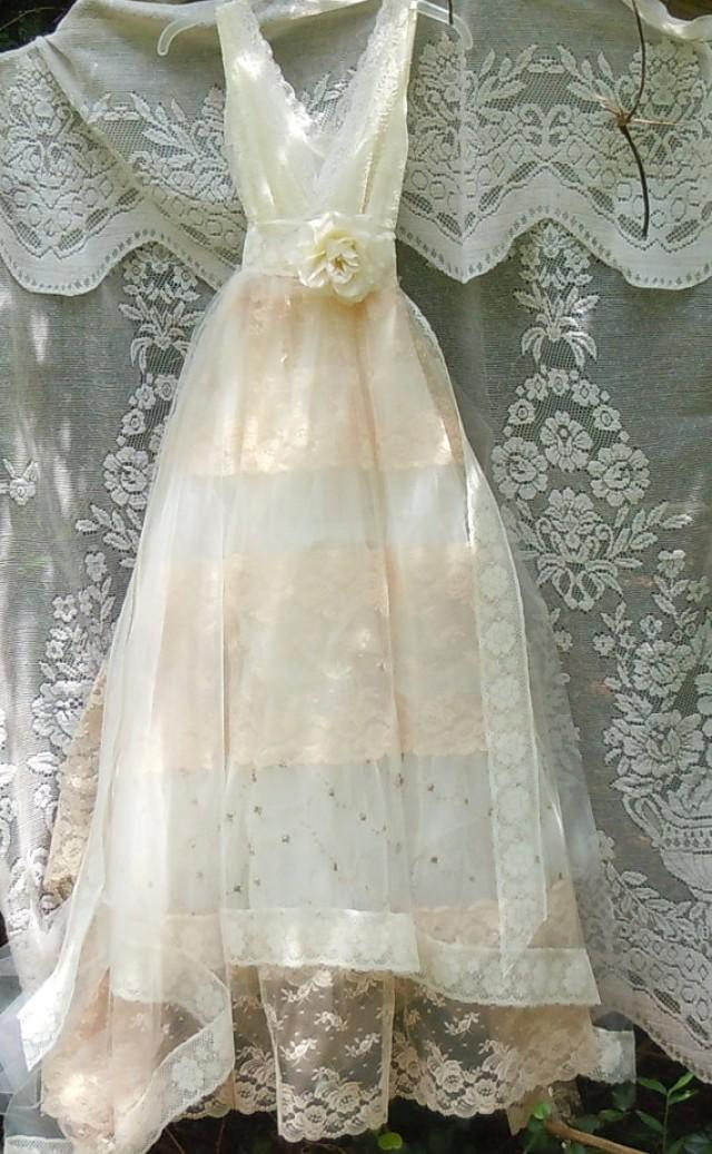 Tulle wedding dress ivory cream lace floral roses boho for Antique rose wedding dress
