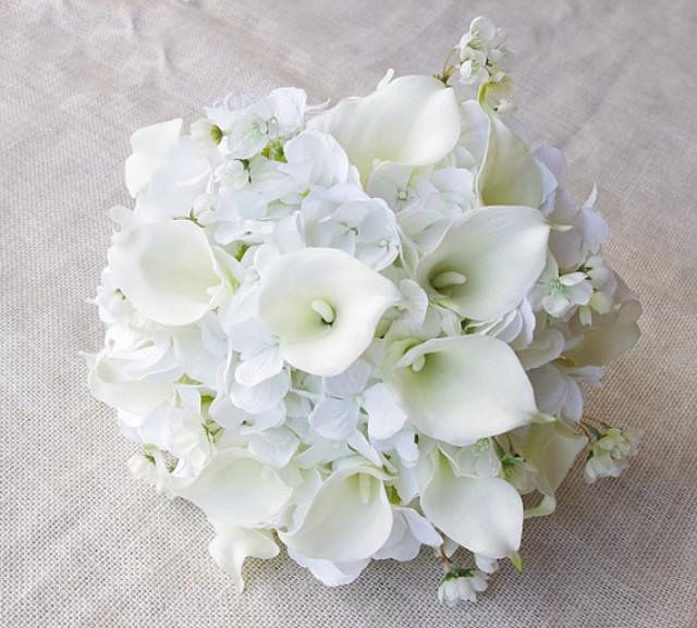 wedding bouquet off white hydrangeas and calla lilies silk flower bride bouquet almost fresh. Black Bedroom Furniture Sets. Home Design Ideas
