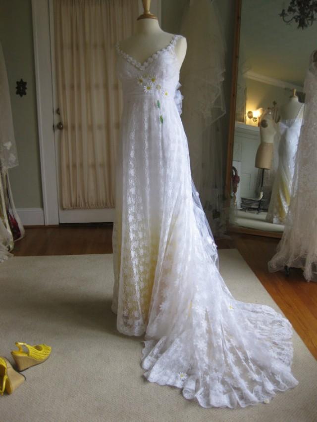 Yellow Daisy Lace Wedding Dress With Train 2330055