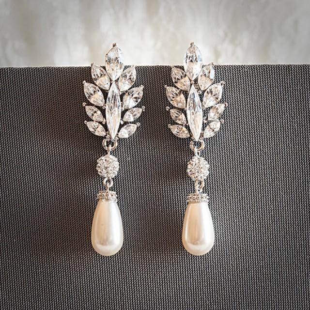 vintage style swarovski teardrop pearl drop dangle bridal earrings  crystal leaf wedding