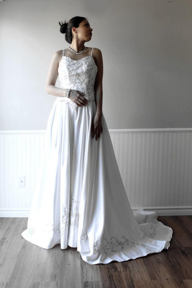 Clearance pure white satin wedding dress bridal gown with for Wedding dress bling detail