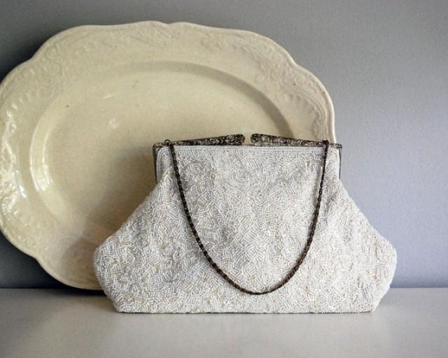 1940s White Beaded Purse Formal Clutch Wedding Purse Evening Bag Ming Arts  Hong Kong Accessories Cottage Chic Decor Small Vintage Handbag 00c9a29a034f9