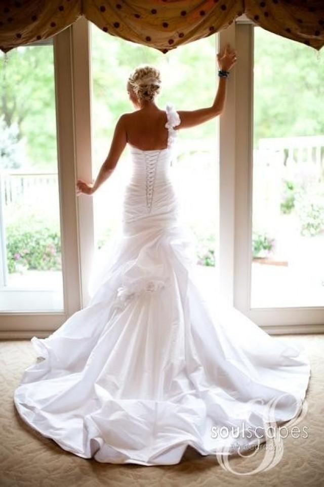 Wedding Planning Gifts For Bride: Dress With Open Back ... Wedding Ideas For Brides