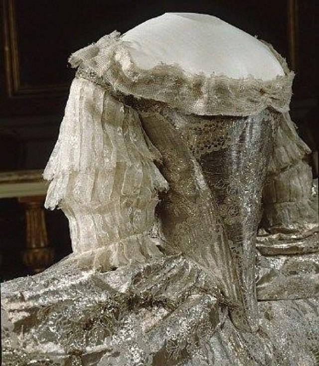 Marie Antoinette\'s Wedding Dress - Madame Guillotine #2356533 - Weddbook
