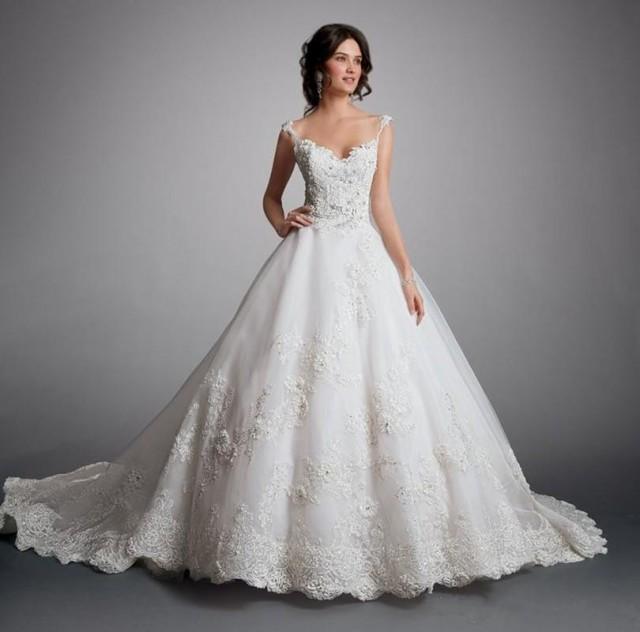 New Arrival A Line Lace Wedding Dress 2015 Applique Flower Bridal Dresses Ball Gown Chapel