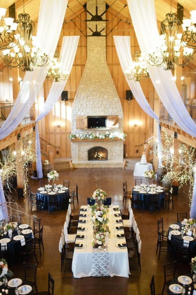 Id es white and navy wedding reception 2365674 weddbook for Idee repas reception amis