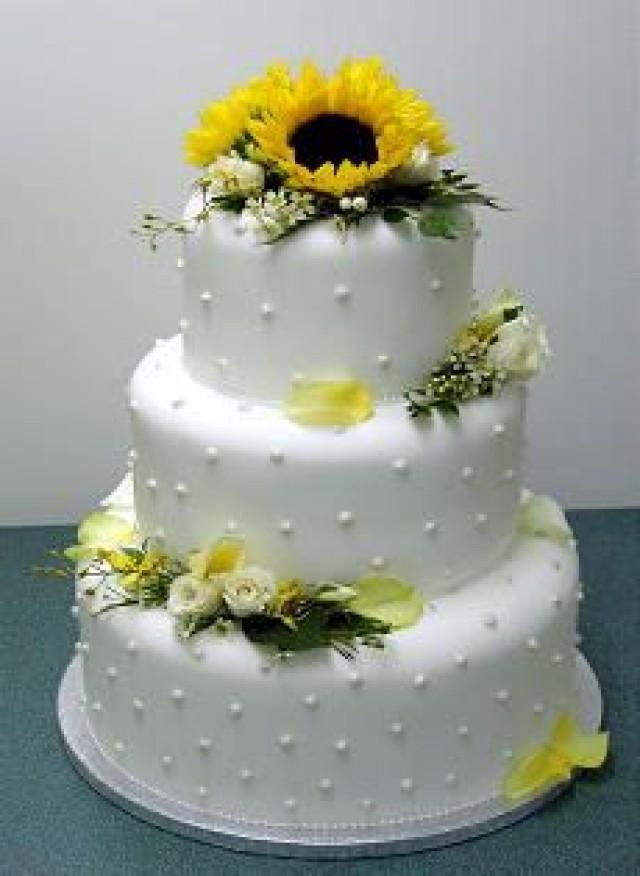 Wedding Cakes Pictures Sunflower Wedding Cakes 2366503 Weddbook
