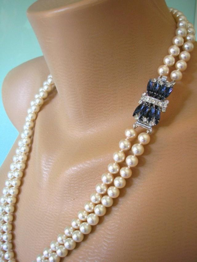 Pearl Necklace With Diamond Brooch