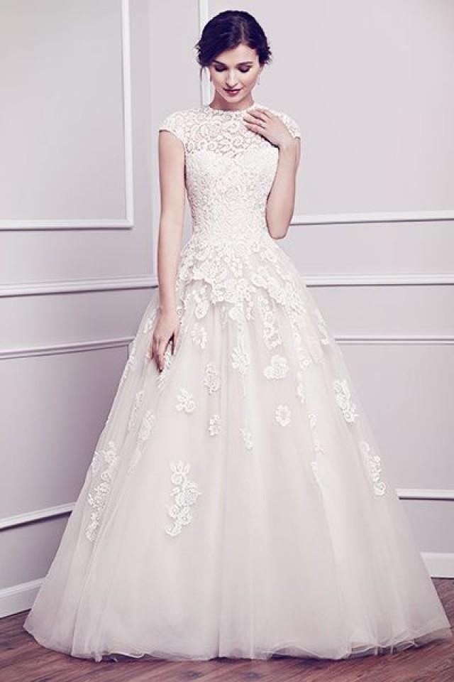 50 Modest Wedding Dresses That\'ll Make You Feel Like A Princess ...