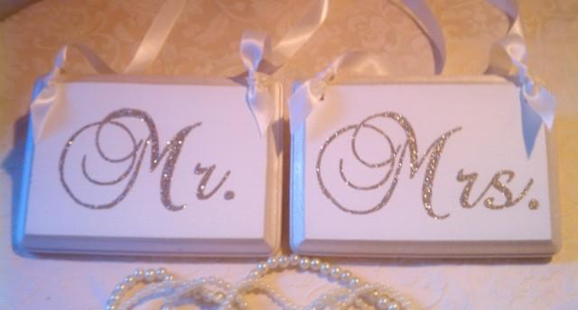 Wedding Signs Bling Mr & Mrs Champagne Reception