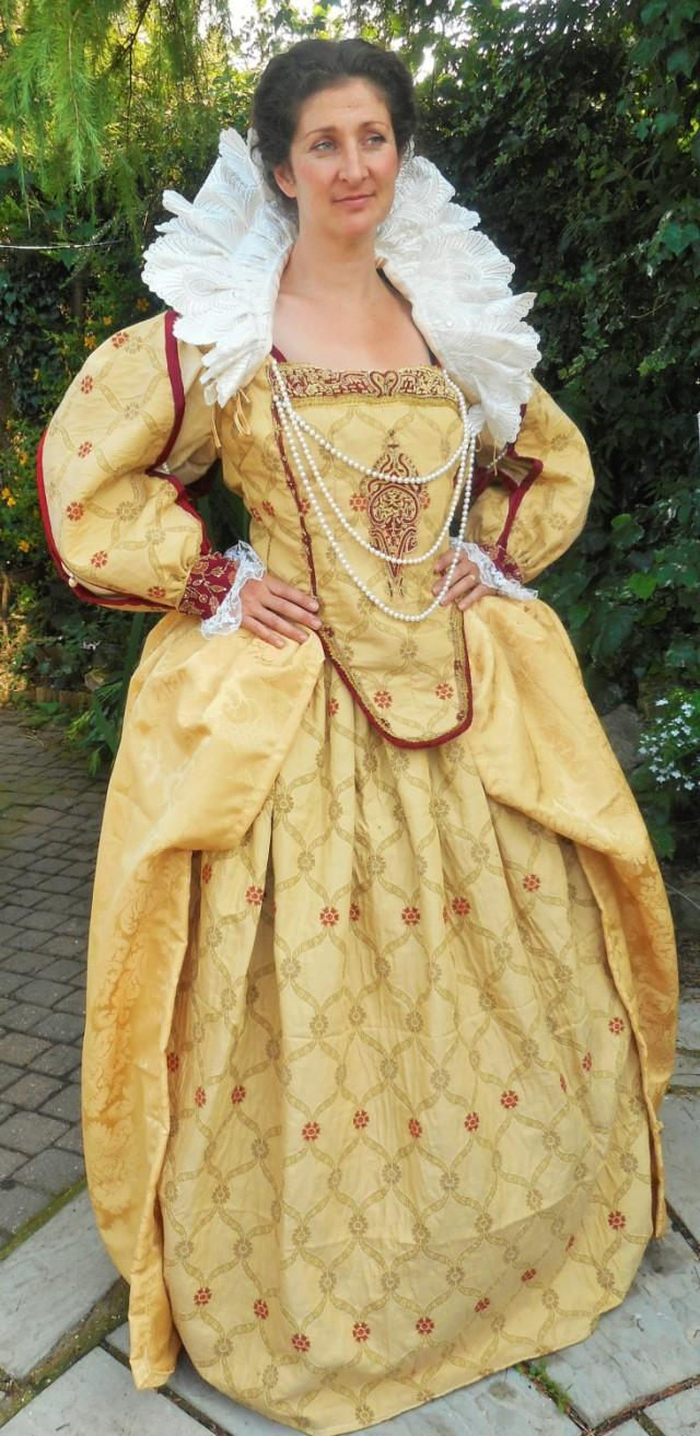 Queen Elizabeth The 1st Golden Gown Complete With Neck