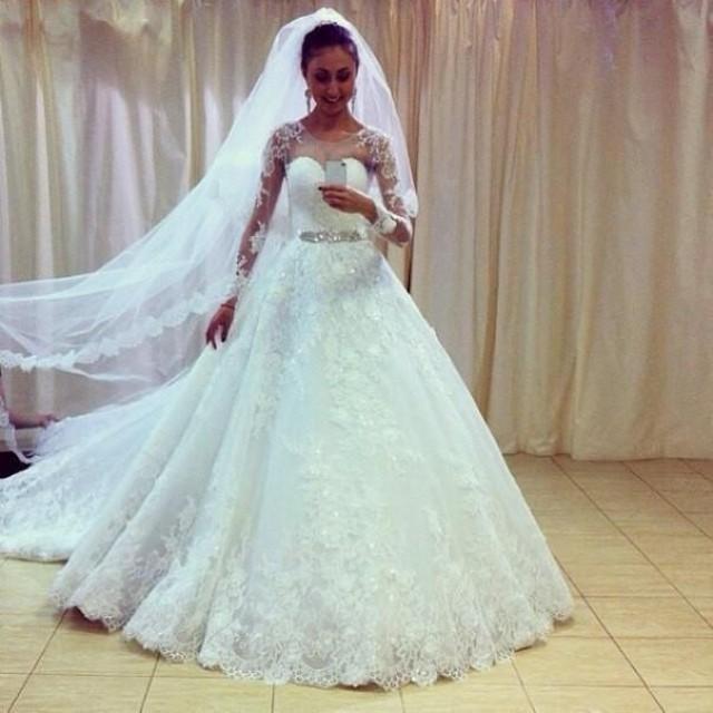 Vintage 2015 White Ball Gown Wedding Dresses Sheer Jewel Neck Long