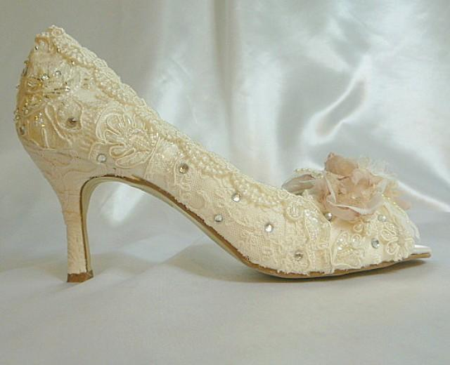 Pink Wedding Shoes Low Heel: Low Heel Wedding Shoes.. Vintage Lace Shoes ..Blush And