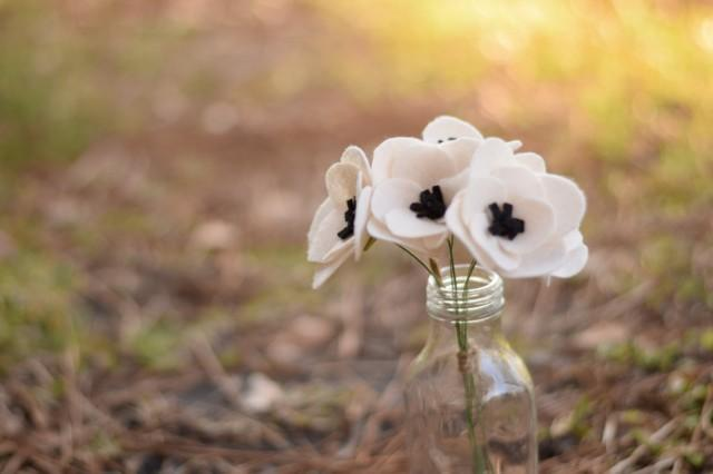 Simple Felt Anemone Stem- Tiny Faux Anemome Flower- White Poppy Stem ...