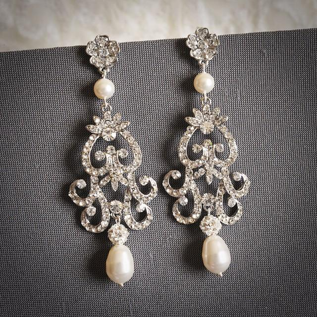 Fabiona victorian style chandelier wedding earrings for Jewelry for champagne wedding dress