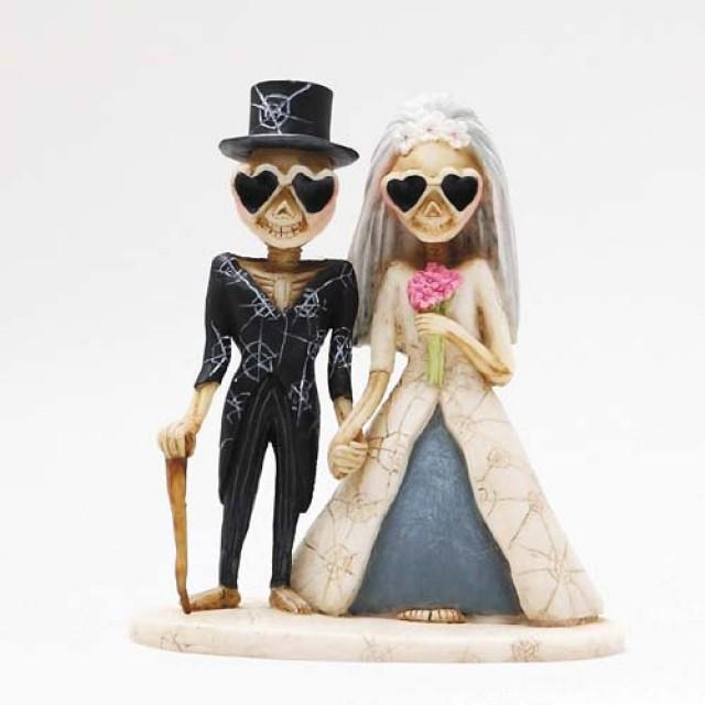 Halloween Love Never Dies Bride And Groom In Heart Glasses