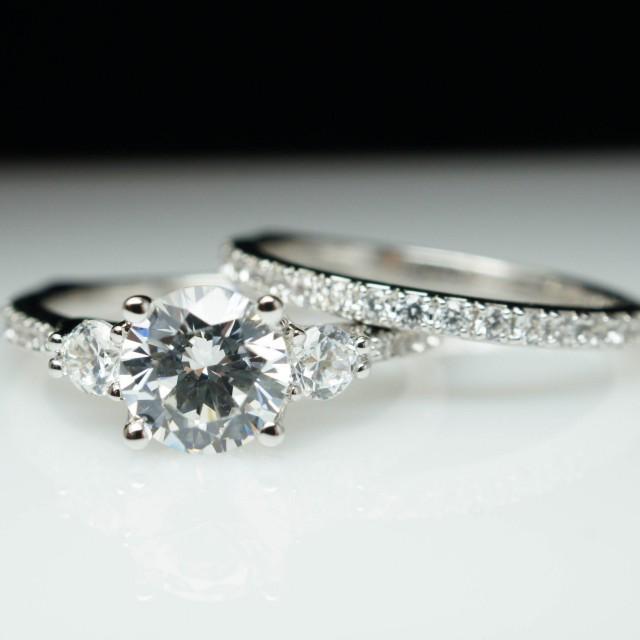 Beautiful 3 Stone Solitaire Diamond Engagement Ring