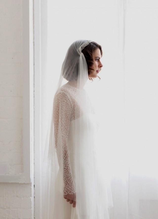 bc858fe4210b0 English Net Juliet Cap Veil With Vintage Style Tiara -1930s Vintage Wedding  Headpiece And Veil - Antique Style Headpiece And Bridal Veil UK  2444804 -  ...