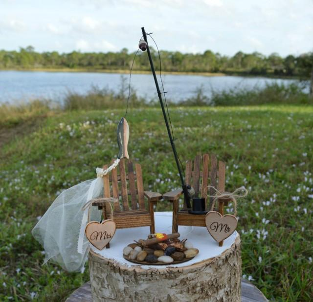 Camping Wedding Ideas: Fishing-lake House-cabin-themed-wedding-cake Topper