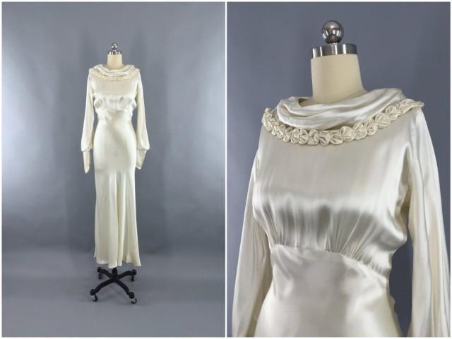 0665120c2972 Vintage 1930s Wedding Dress / 30s Bias Cut Dress / 1930 Art Deco Ivory Silk  Satin Gown / Size XXS 0 Petite #2450582 - Weddbook