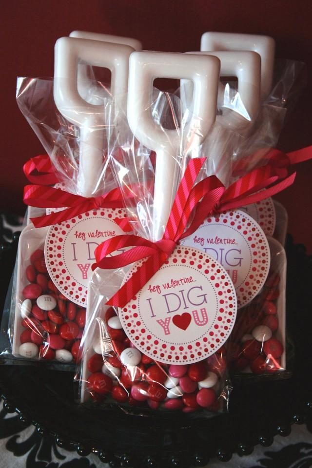 Подарок с днем валентину мужчину