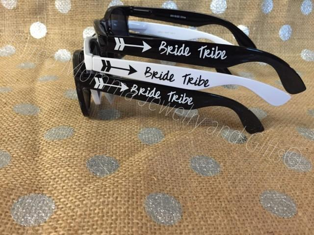Wedding Party Gifts For Bridesmaids: Personalized Sunglasses