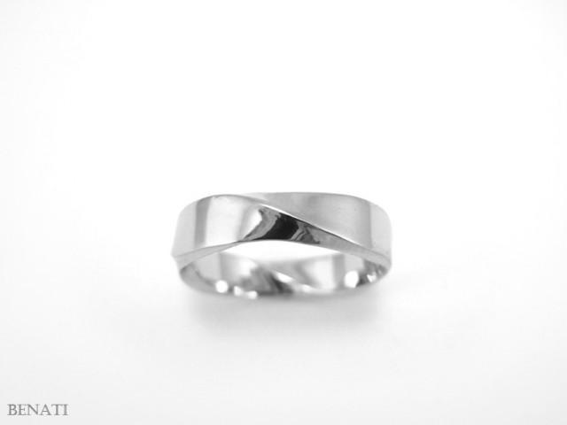 Mobius Wedding Ring Meaning
