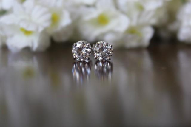 1 Carat Diamond Stud Earrings 14k White Gold Raven Fine Jewelers 5mm 0 50 Ct Each For Women Gia Certified