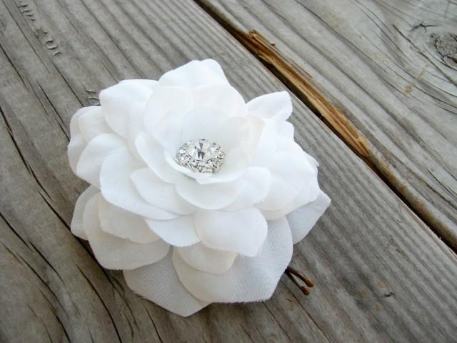 Small white gardenia flower hair pin bridal white flower fascinator small white gardenia flower hair pin bridal white flower fascinator floral brooch pin back rhinestone crystals little silk flower clip 2497769 weddbook mightylinksfo